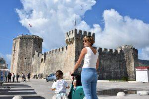 trogir1 1 300x200 - Visitar Split con niños, descubriendo las maravillas de Croacia