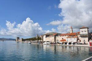 trogir11 1 300x200 - Visitar Split con niños, descubriendo las maravillas de Croacia