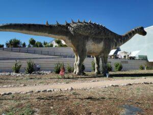 dinosaurios cuenca 300x225 - Los dinosaurios de Cuenca, una ruta para disfrutar con niños