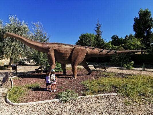 dinosaurios fuentes 534x400 - Los dinosaurios de Cuenca, una ruta para disfrutar con niños