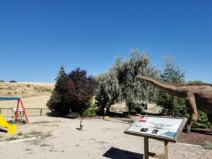 dinosaurios fuentes3 300x225 - Los dinosaurios de Cuenca, una ruta para disfrutar con niños