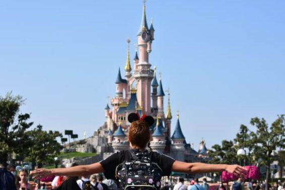 Disneyland3 565x377 - ¿Cómo viajar a Disneyland París barato desde España y sin arruinarte?