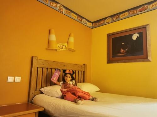 santafe2 - ¿Cómo viajar a Disneyland París barato desde España y sin arruinarte?