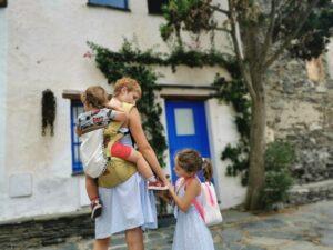 cadaques2 300x225 - Visitar Figueres con niños y sus alrededores en un día