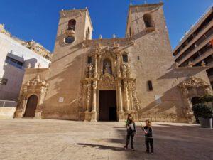 free tour ninos alicante1 300x225 - Un Free Tour con niños en Alicante, conoce tu ciudad en familia