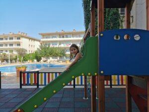 pierreetvacances lestartit 1 300x225 - ¿Qué hacer en L'Estartit con niños? Descubriendo la Costa Brava