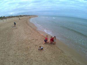 playa oliva 300x225 - Un camping en la playa de Oliva, así es KikoPark...