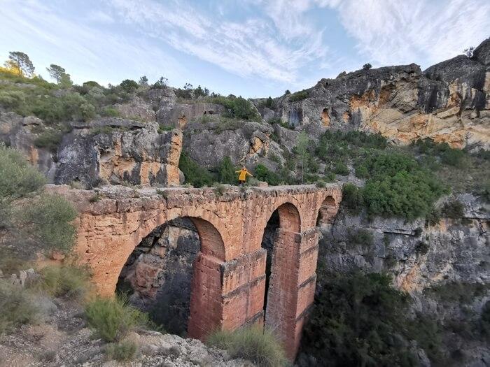 Acueducto de Peña Cortada en el interior de Valencia