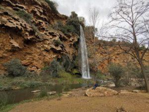 cascada salto de la novia 300x225 - El Salto de la Novia en Navajas, una cascada espectacular