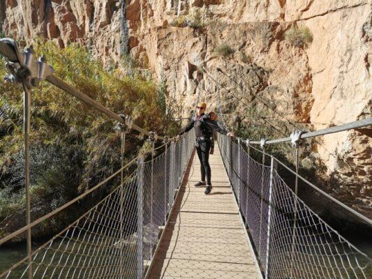 puentecolgante chulilla 533x400 - Los puentes colgantes de Chulilla con niños