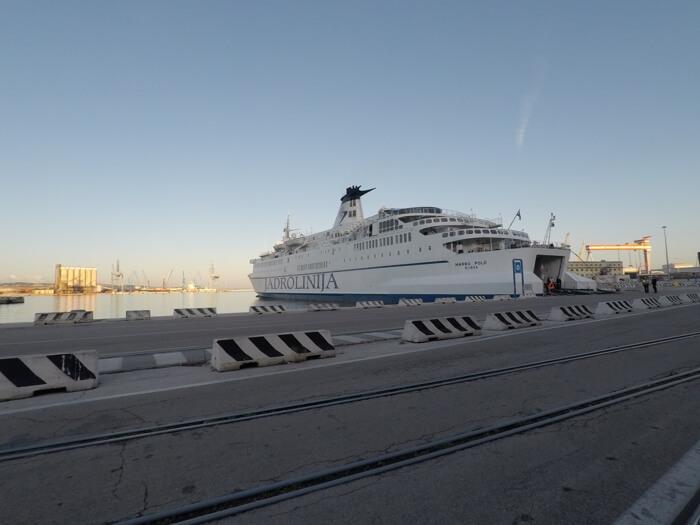 ferry de Jadrolinija de Split a Ancona